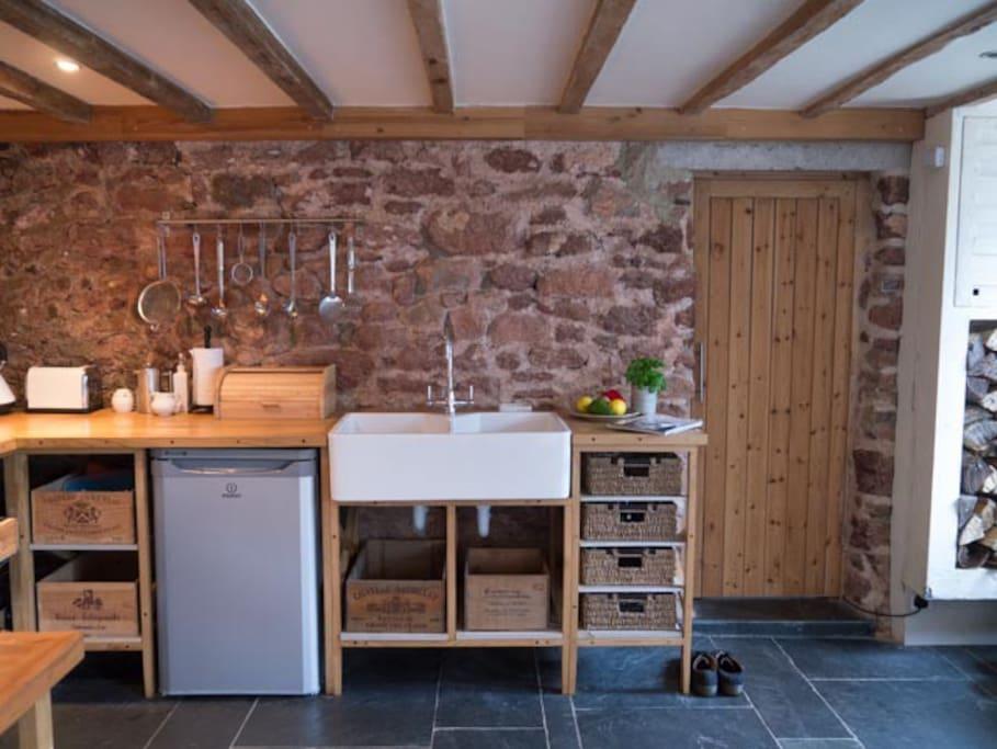 more kitchen...and bathroom door in case you wondered!