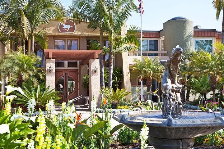 Winners Circle Resort: Beach, hike, tennis, relax