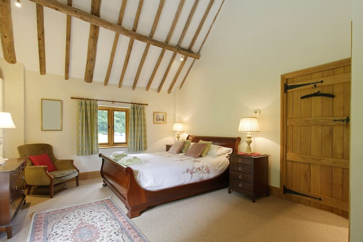 Orchard Barn B&B Ensuite.Quiet,Woburn,MK,L Buzzard