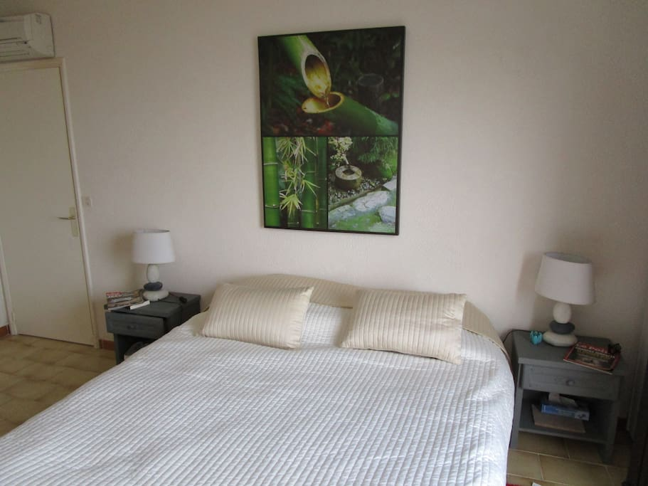 chambre lit double 160 avec balcon sur mer