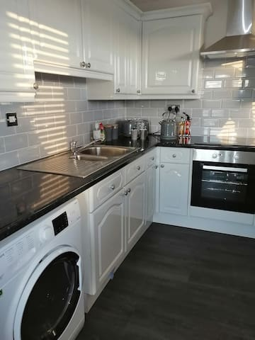 Newly refurbished, 2 double bedroom apartment.