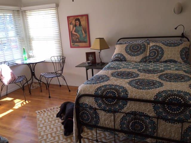 Echo Park - Walk Everywhere! Large private room - Los Angeles - Apartamento