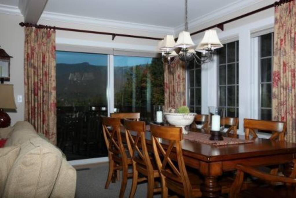 Dining room seats 8 with views of Mt. Mansfield
