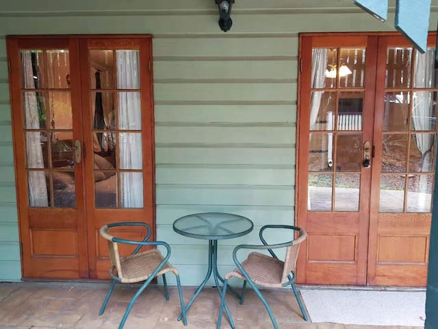 Self-cont classic house close to CBD,UQ&PA