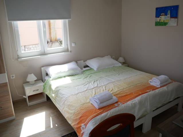 Studio Apartment Falcon 3, Zadar, Balcony, Parking - Zadar - Appartement
