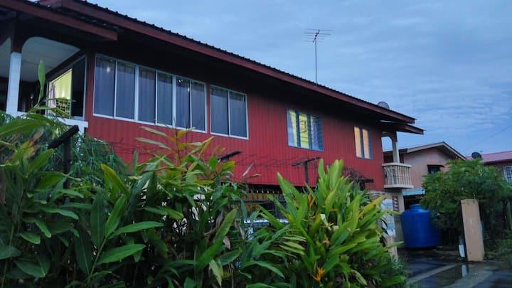 Authentic Kampung Stay @ Putatan