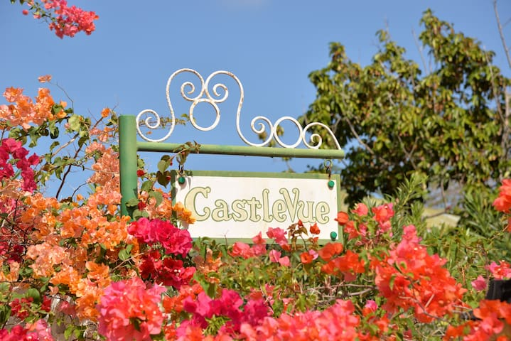 Castlevue - Home Away from Home