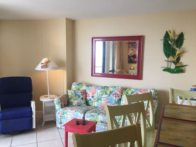 Colors of the Coast One Bedroom Myrtle Beach Condo