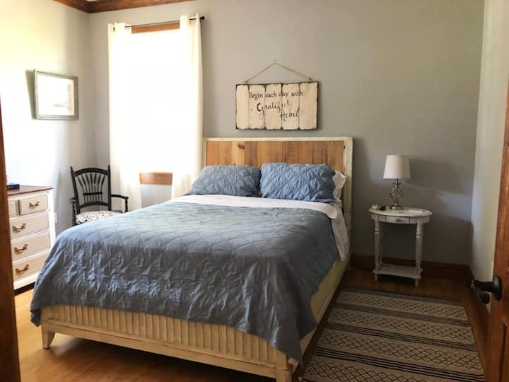 Comfortable space in the heart of west Tampa