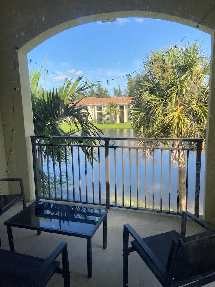 Fully Equipped 2 BR 2 Bath, Lake Side Balcony View