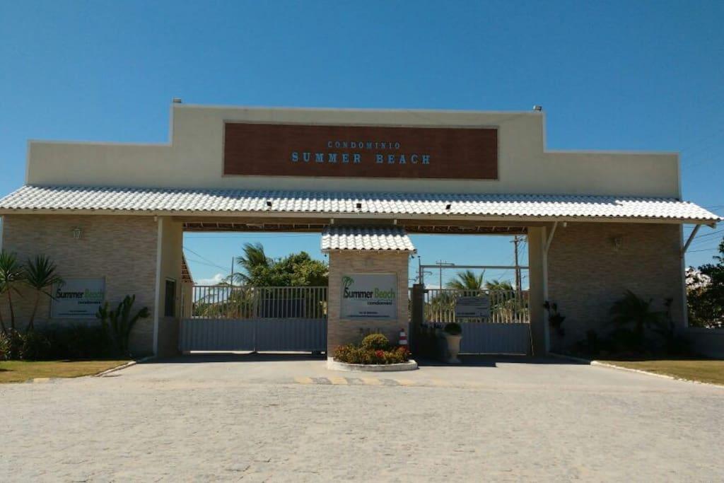 Entrada do condomínio Summer Beach em Monte Alto, Arraial do Cabo