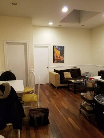 Huge Clean Room in Trendy Bushwick