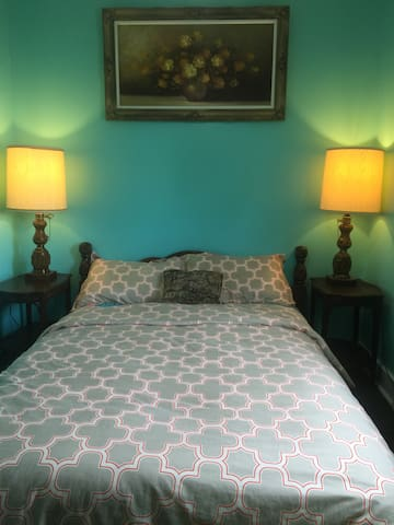 Frugal Room 5