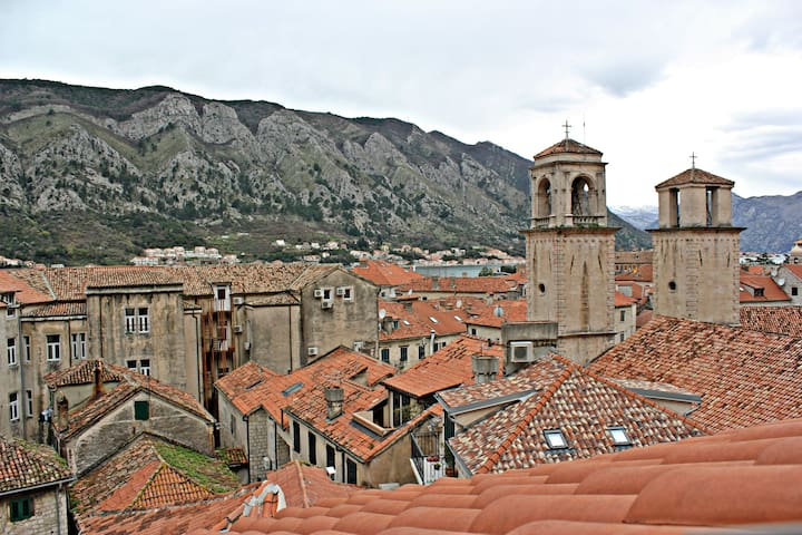 B rooftop apartment - Kotor - Pis