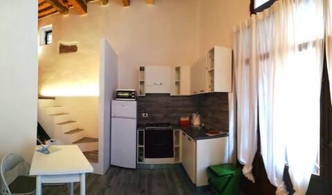 """Appartamento """"La Cantina"""" e parcheggio top!!"""