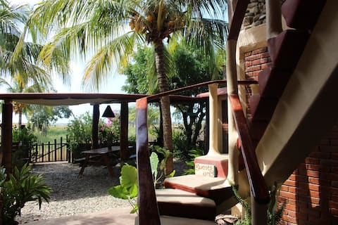La Vaca Loca - Cafe, Bed & Breakfast