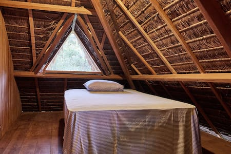 Amazing EcoLodge Surrounded by Jungle: 15min away!