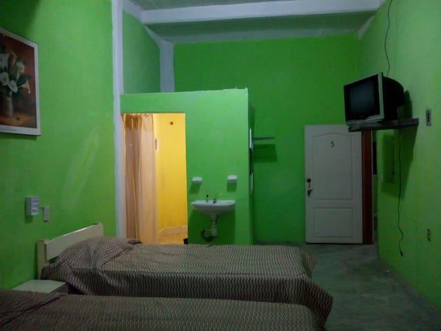 Habitacion #5 segura y céntrica en cuajinicuilapa