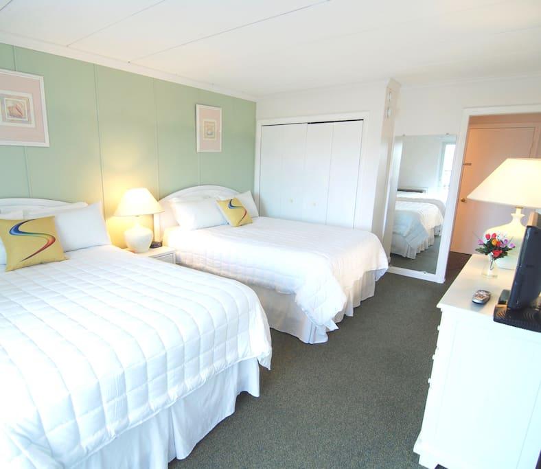 Bedroom - 2 double beds