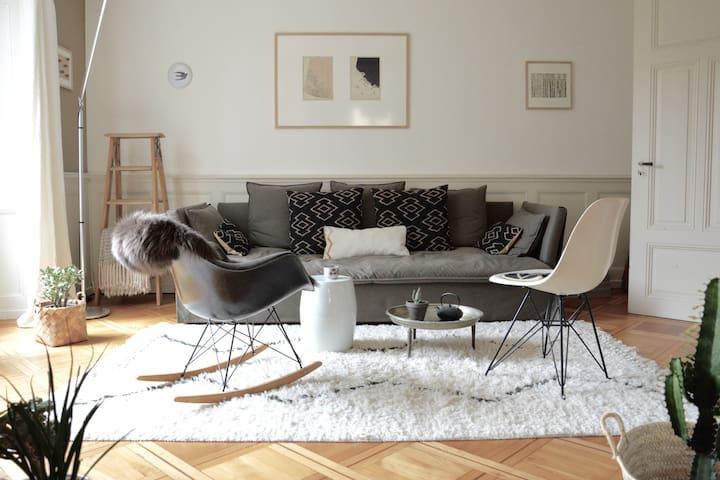 Appartement de designer, jardin d'hiver & terrasse - Peseux - Daire