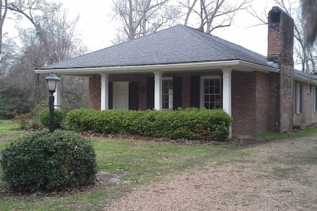 Homewood Plantation Cottage - Natchez