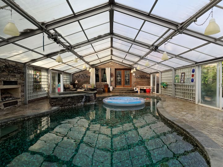 DC. Heated pool in winter, horse farm