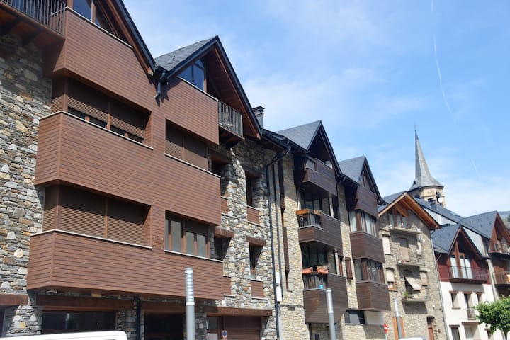 Apartamento Esterri Centro