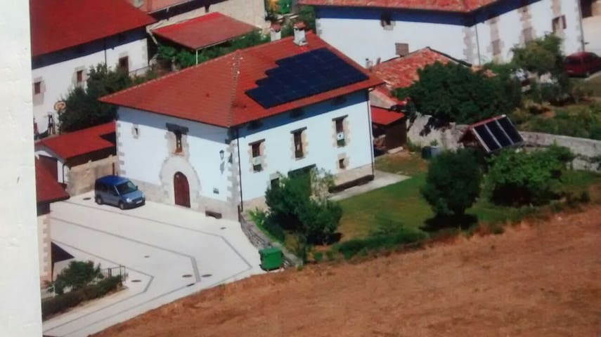 Habitación triple  Hiriberri Arakil - Hiriberri/Villanueva de Arakil - บ้าน
