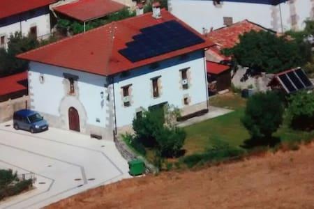 Habitación triple  Hiriberri Arakil - Hiriberri/Villanueva de Arakil - Hus