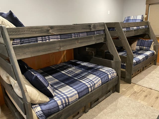 Downstairs Bunkbed Room. Two queen beds on bottom and two twin beds on top.