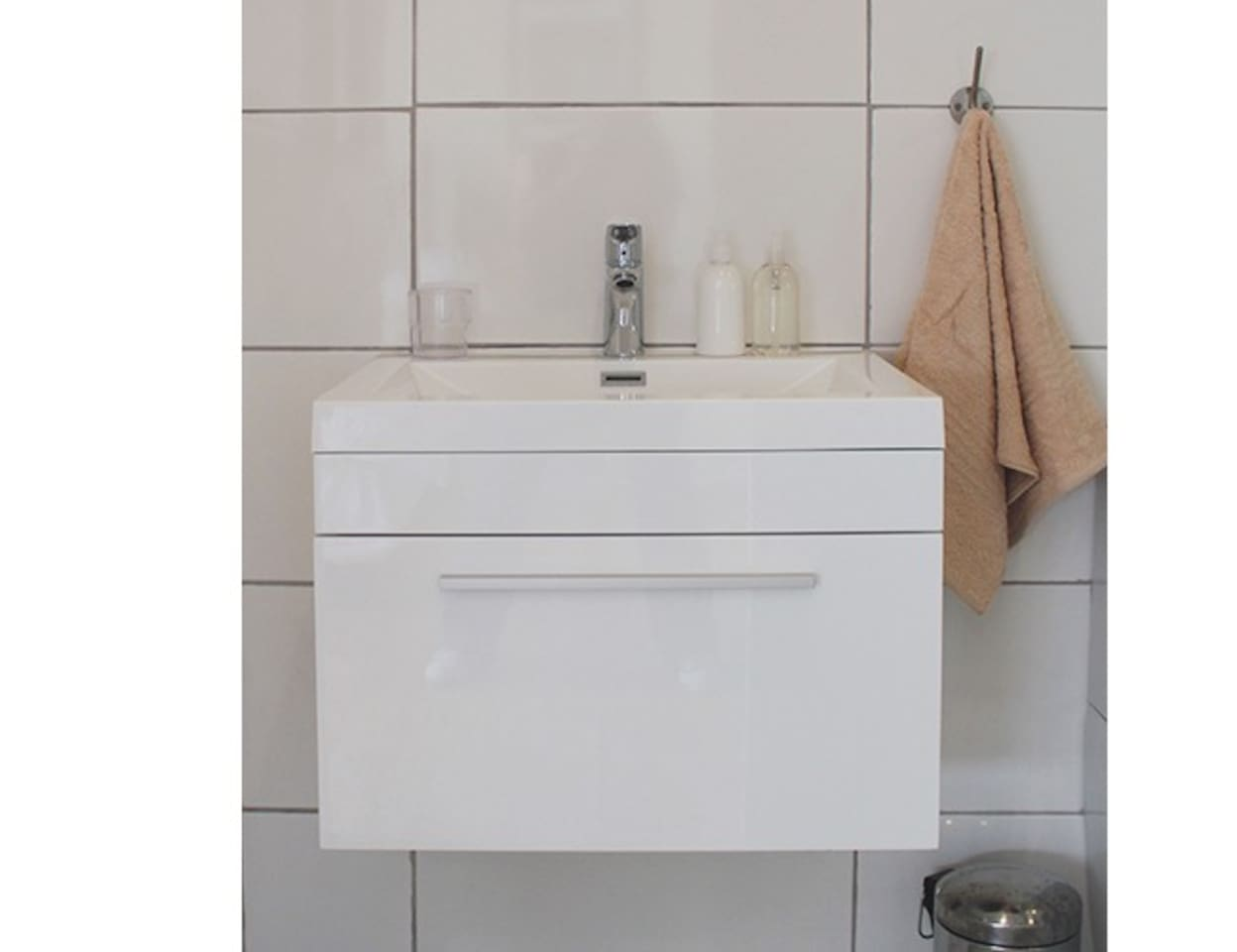 Reece Bathroom Cabinets Cape Sound Villas For Rent In Cape Town Western Cape South Africa