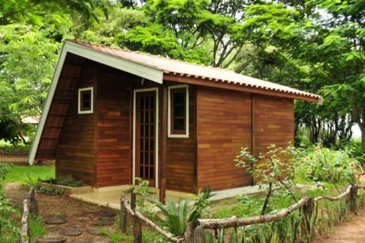 Chalé Colonial junto a Natureza na Estância Sabiá