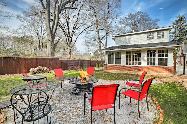 Cheery Cottage w/ Yard < 1 Mile to Marietta Square