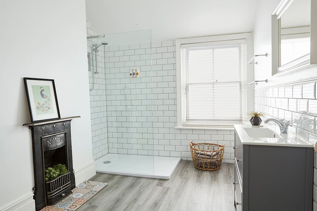 Spacious bathroom with Bramley products