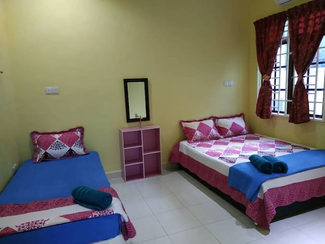 Puteh Family Guesthouse Langkawi 2 Rooms / 2BR