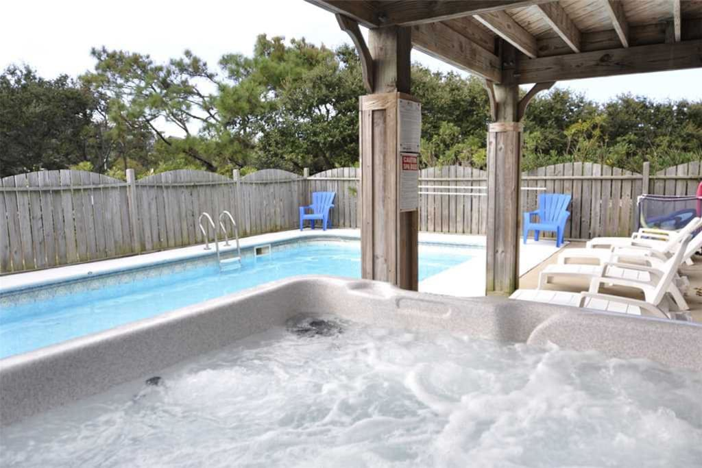 JR65: Curlew's Call | Pool Area
