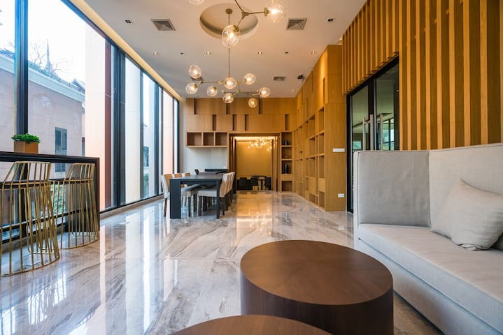 Exclusive designer apartment in best location - Chiang Mai - Apartmen