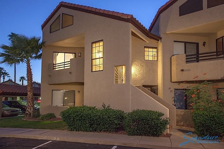 Happy Ours, Gorgeous upgraded 2 bedroom 2 bath condo - Paradise Valley - Condominium