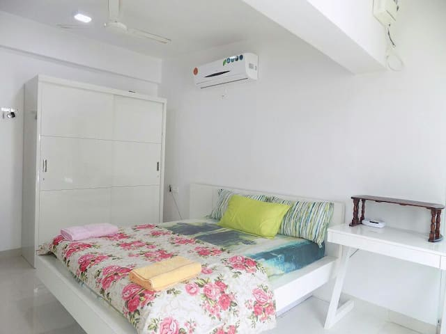 Luxury space for 4 near Beach - Candolim - Huoneisto