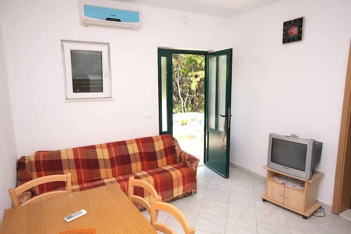 Two bedroom apartment near beach Kozarica, Mljet (A-4950-b) - Kozarica