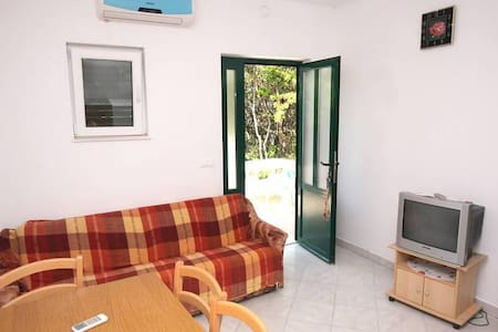 Two bedroom apartment near beach Kozarica, Mljet (A-4950-b) - Kozarica
