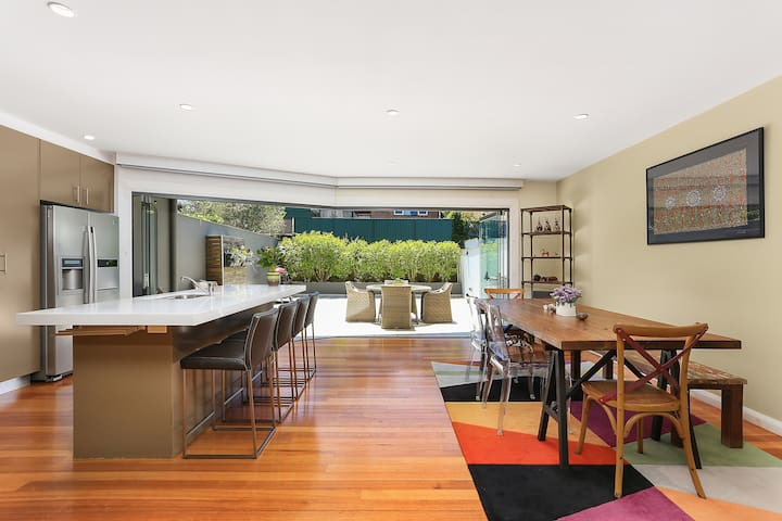 Stunning Modern House close to City - Lilyfield - Casa