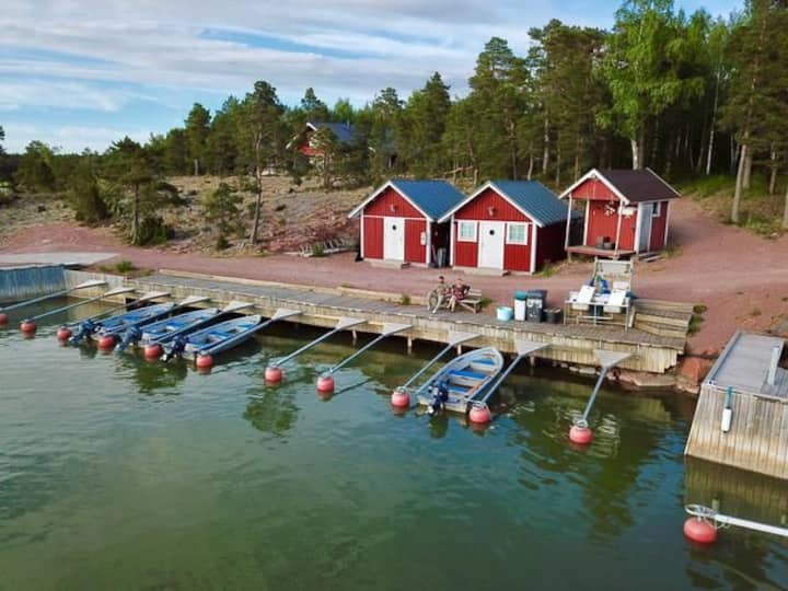 """Tinyhouse """"Bävern"""" 20 sqm very close to water"""