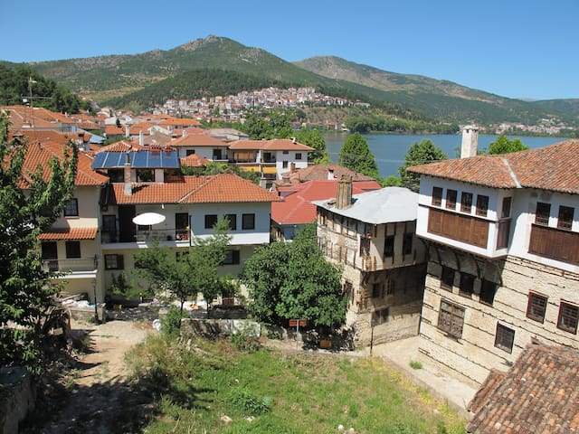 Old traditional listed house - Kastoria - Casa