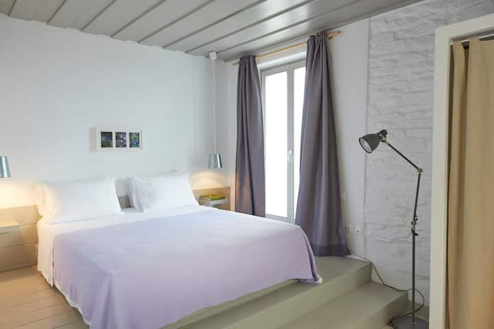 Honeymoon Suite with sea view by Kea Village