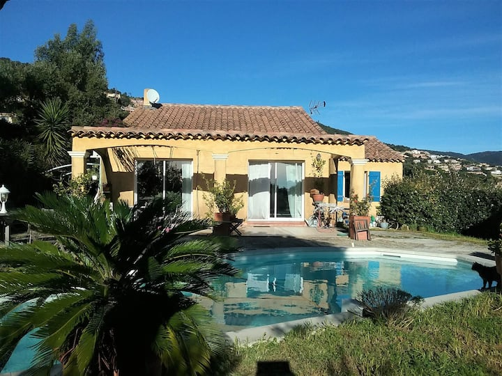 Villa with pool near the beach