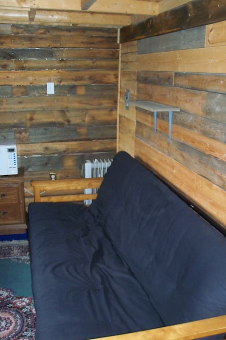 "Cabane ""New Home"".  Futon double"
