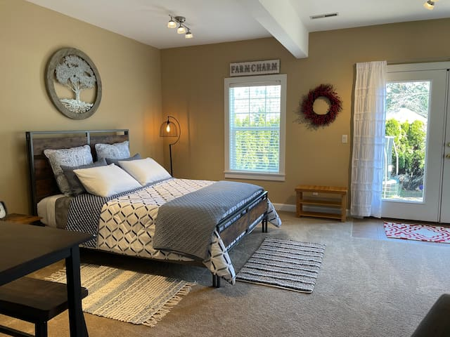 After a long drive, I imagine you're ready to settle in, unwind, get your comfy clothes on and relax for the night. All of this awaits you and more in your private suite w/ private entry, driveway parking, electric fireplace, fresh linen & more.