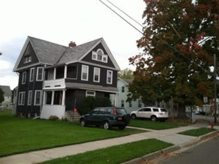 Binghamtons Best Airbnb near heart of DT Room#2
