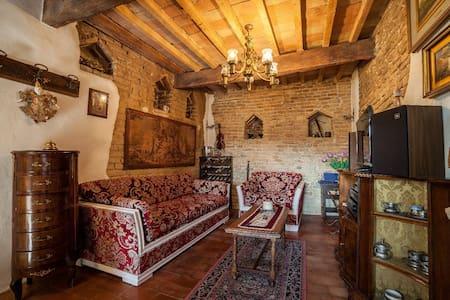 Romeo & Juliet's nest - Saltara